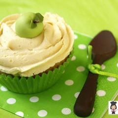 cupcakes baileys, cupcakes manzana, manzana modelada, cuchara de chocolate, verde, lunares verdes